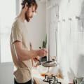 Welk kookgerei heb je nodig als je op jezelf gaat wonen?